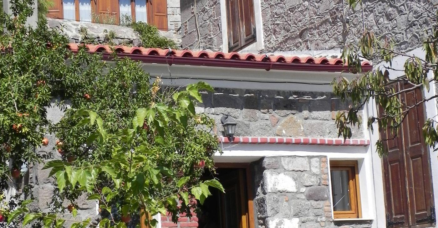 Garden Studio in Molivos