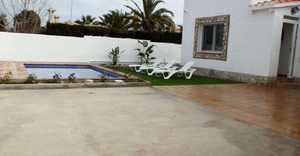 Ferienhaus Casa Adena mit Pool in Riumar